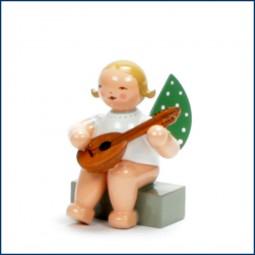 Engel mit Mandoline, sitzend